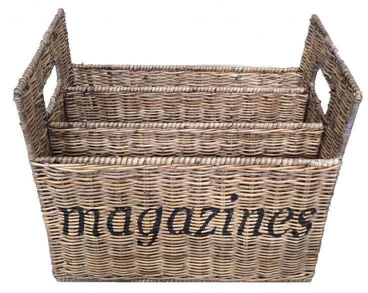 Altijd de kranten en tijdschriften netjes gesorteerd in deze rotan tijdschriftenhouder.