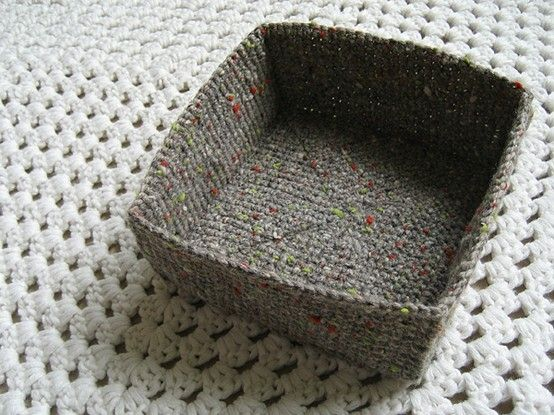 Crochet Basket : Crocheted basket pattern free by shelby Plarn Pinterest Baskets ...
