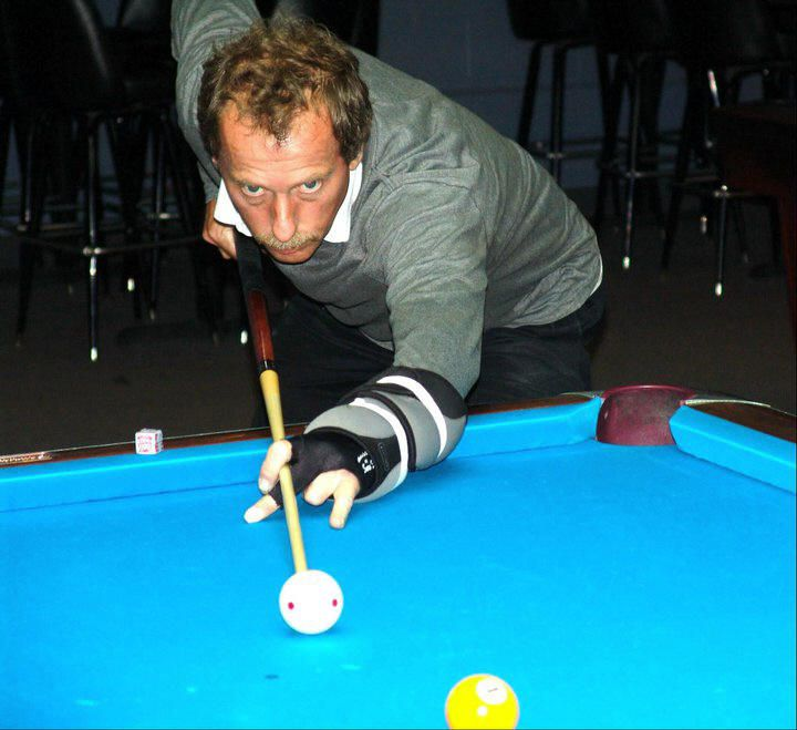 Pool players picture 3
