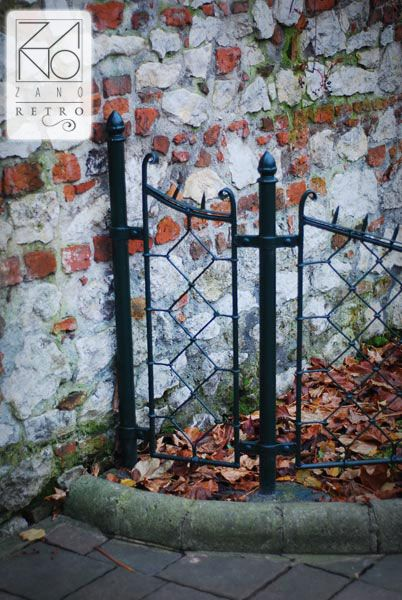 Those fences are manufactured from carbon steel which can be supplied in every colours of RAL palette standard colours...