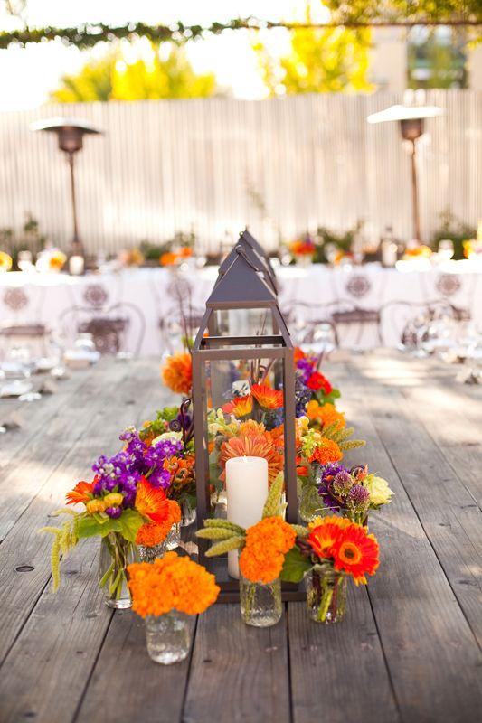 <<< Sara.... Looks like one of your ideas for a centerpiece.