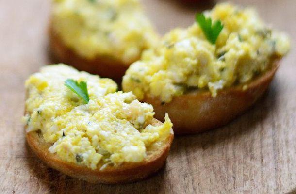 Pikáns mustáros házi tojáskrém | femina.hu