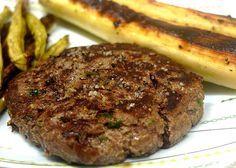 Hambúrguer caseiro.   15 receitas com carne moída que merecem virar notícia