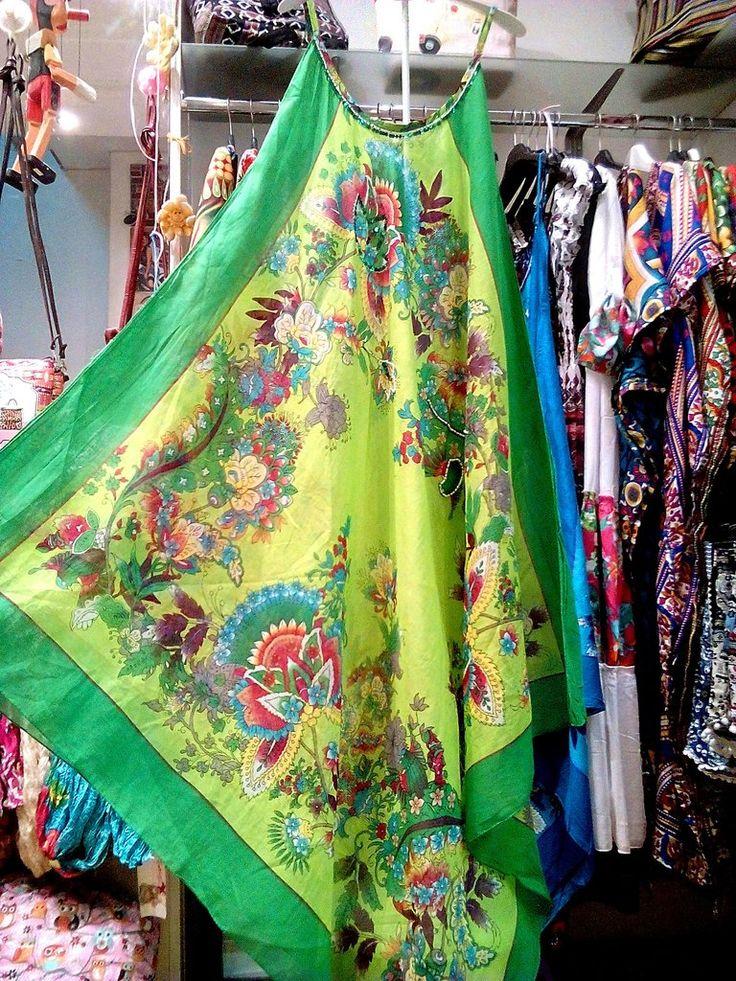 Μακρύ φόρεμα καφτάνι παραλίας σε φλοράλ μοτίβο με κέντημα