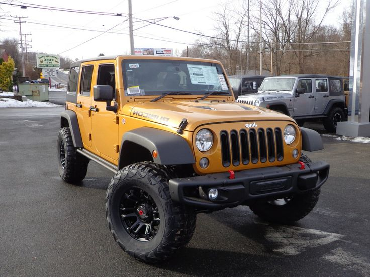 Rubicon X with 3 inch lift and 35 inch tires.