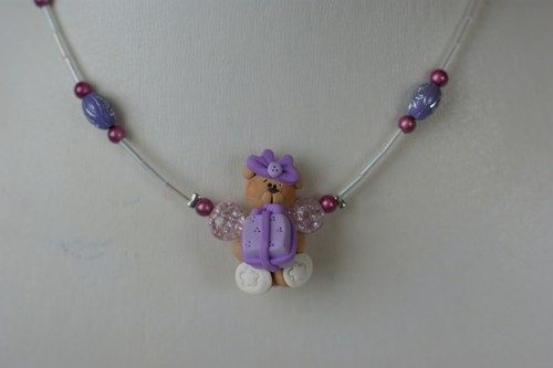 Any little girl will love to wear this cute bear with his gift necklace ! Offer it for her birthday or for the end of the school year ! Lenght 14 to 16 inches *** PLEASE NOTE THAT CHILDREN 3 YEARS AND