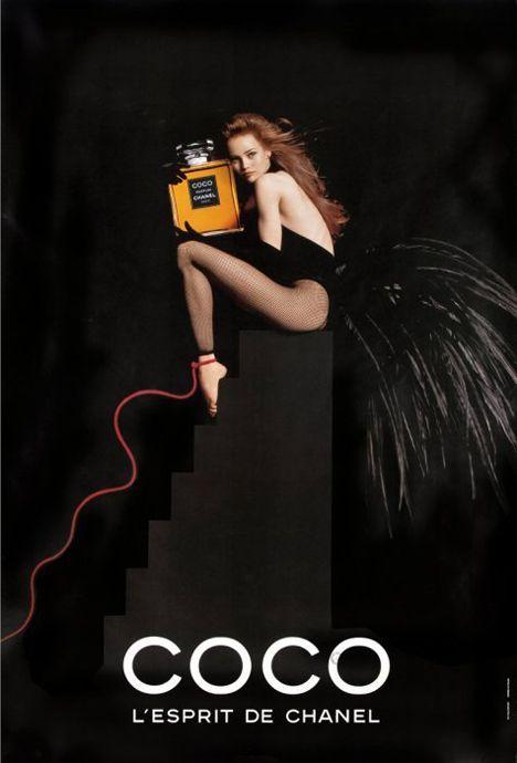 """Vanessa Paradis par Jean Paul Goude pour """"Coco"""" l'esprit de Chanel en 1991."""