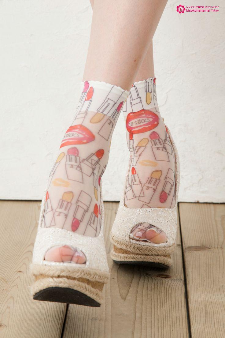 Lipstick print socks WHITE JPY333(without TAX)