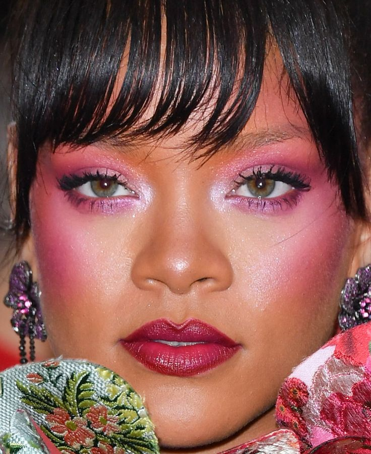 http://www.revelist.com/beauty-news-/2017-met-gala-beauty/7679/28. I saved the best for last. All hail Queen Rihanna and her blush-highlight combo./28/#/28