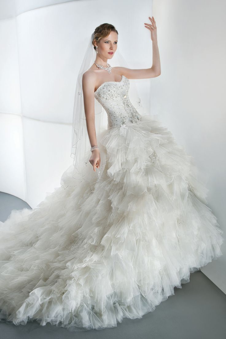 139 best vestidos de novia images on Pinterest | Gown wedding, Groom ...