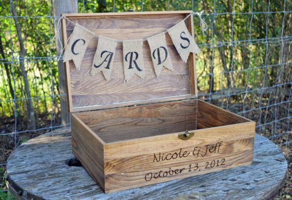Schäbig schicke Hochzeit  rustikal aus Holz von CountryBarnBabe