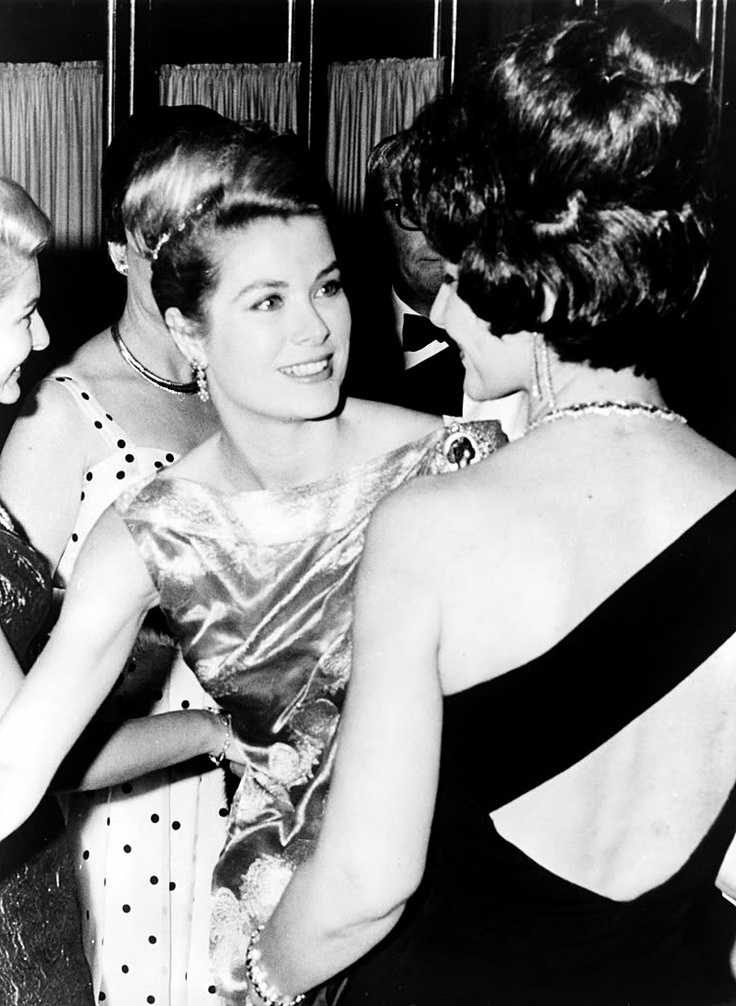 Grace Kelly and Maria Callas: Gracekelli, Marilyn Monroe, Learning French, Maria Callas, Princesses Grace Kelly, Mariacalla, Monaco, Icons, Photo