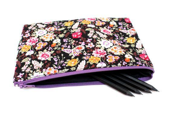 Sale! Floral Pencil case / Makeup Bag, 21CMX14CM Cute Pouch with One Pocket and Zipper,