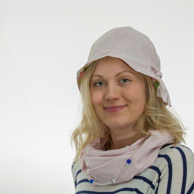 Sormustinkukka-malli. #wemakehats #personaldesignhat #design #hat