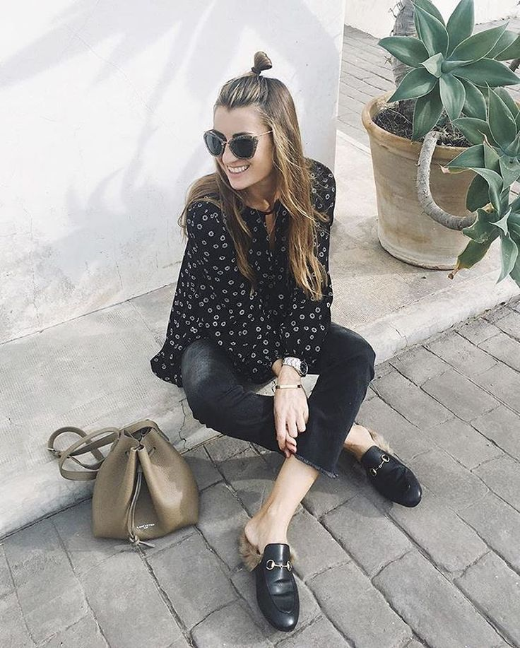 Casual style by BartabacMode with our bucket bag Pur. #bag #bucketbag #sac #bourse #casual #black #outfit #pur #lancaster #lancasterparis