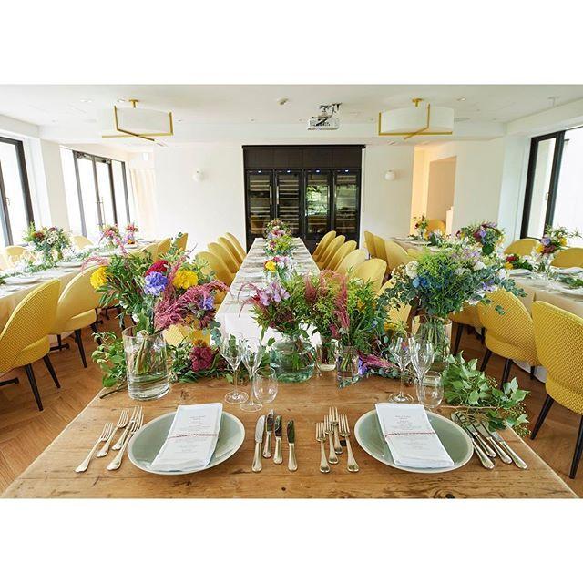 【enchantee_gourmet】さんのInstagramをピンしています。 《. 銀座にほど近い、日比谷公園の中にある一軒家のレストラン🍽 日比谷パレス @hibiyapalace . リモデルをし、より心地よい空間に♡ . . 窓から光が差し込み、開放的な空間の中で、レストランならではの美味しい料理がお楽しみいただけます♫ . . #日比谷公園 #一軒家 #レストランウエディング #緑 #ランチ #ティータイム #日比谷 #ウエディング #ガーデンウエディング #グリーン #空間 #おもてなし #庭 #ハーモニー #絆 #写真好きな人と繋がりたい #結婚式 #パーティー #女子会 #東京 #自然光 #カップル #森 #食事》