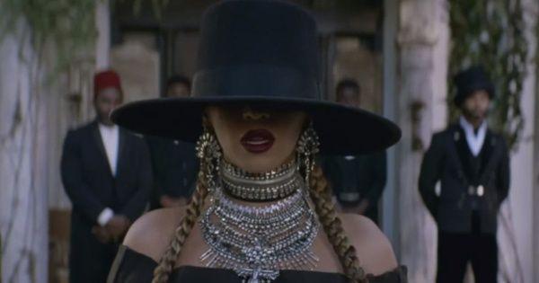 Michelle Obama al estilo de Beyoncé sombrero y trenzas! - EL DEBATE