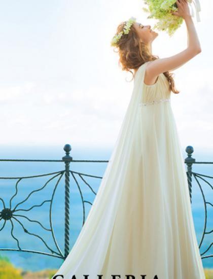 肩から流れるワトートレーンが印象的♪ ♡ナチュラルな花嫁衣装ウェディングドレスまとめ参考一覧♡