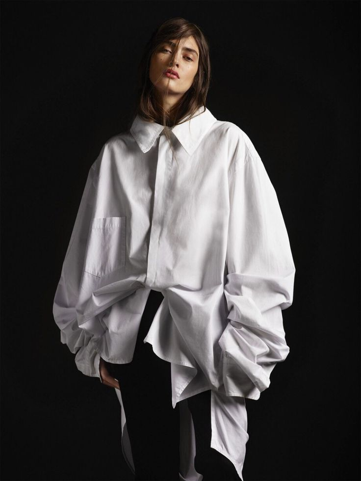 Oversized White Shirt - contemporary fashion design // Styleby Editorial