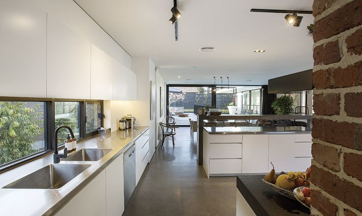 window splash-back, seamless cupboards, layout