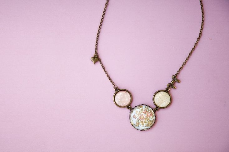 Ilianne | Jewelry Made of Love - Vintage Pin-Up Necklace