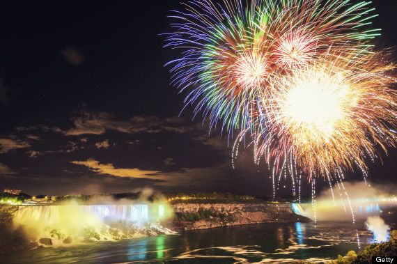 Fun things to do this Labour Day Weekend: Niagara Falls Fireworks  #thewisesage The Wise Sage #LabourDayLongWeekend Labour Day Long Weekend