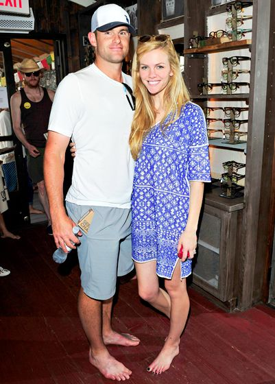 "ANdy Roddick and wife Brooklyn Decker went barefoot for TOMS ""one Day Without Shoes"" in Venice, CA"