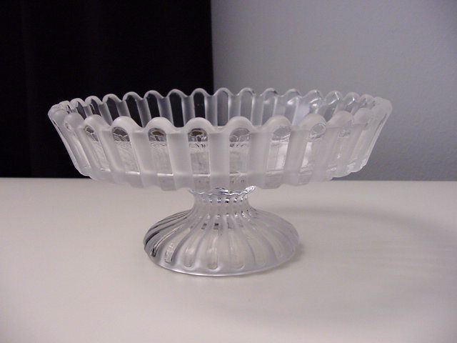 19th c Baccarat pressed crystal glass bowl, clear and frosted lines