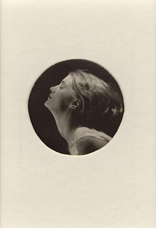Man Ray. Lee Miller 1930 Via RMN