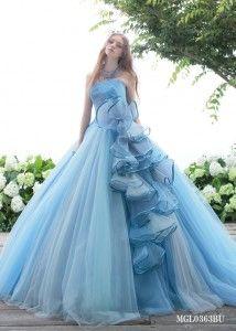 真夏にぴったりな軽やかシフォンの水色ドレス♡ 真夏のお色直しのアイデア☆