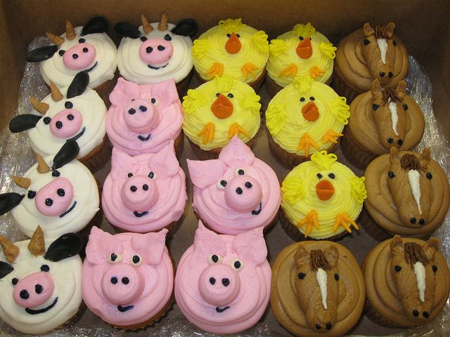 Farm Animal Cupcakes by hainesbarksdale, via Flickr