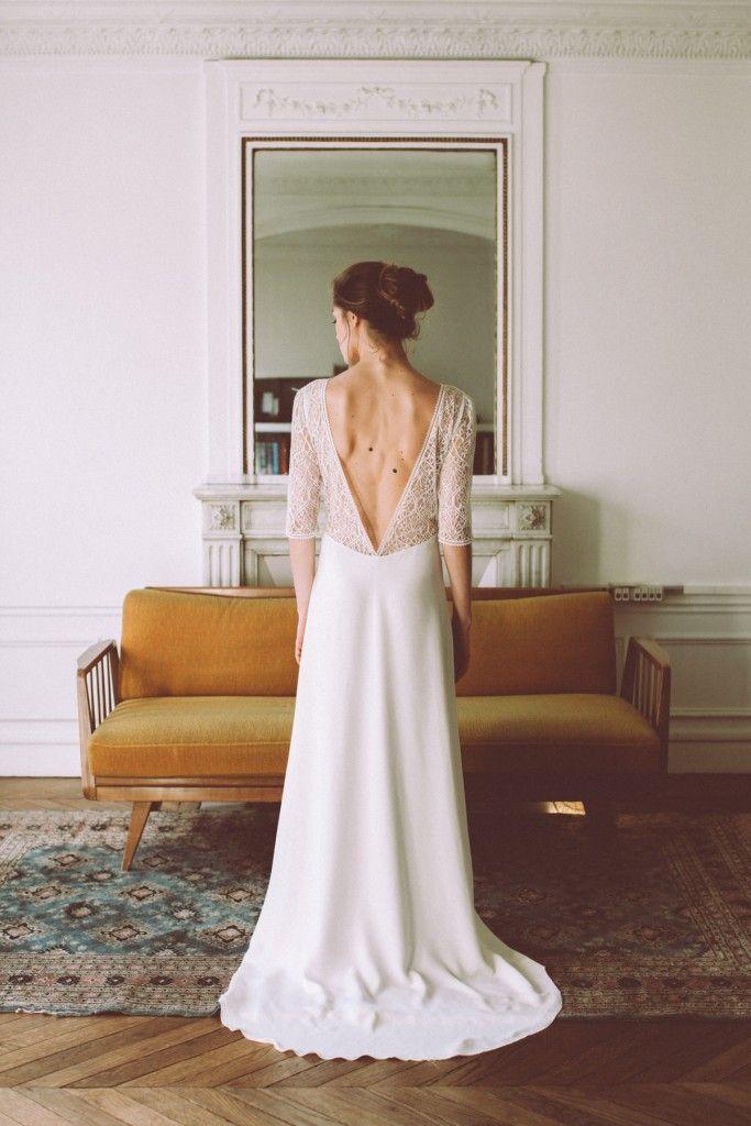 Lorafolk propose une collection de robes de mariée crées sur mesure, ainsi qu'une ligne essentiellement composée de petites robes pour des moments de vie, fabriquées à la commande ou sur mesure.