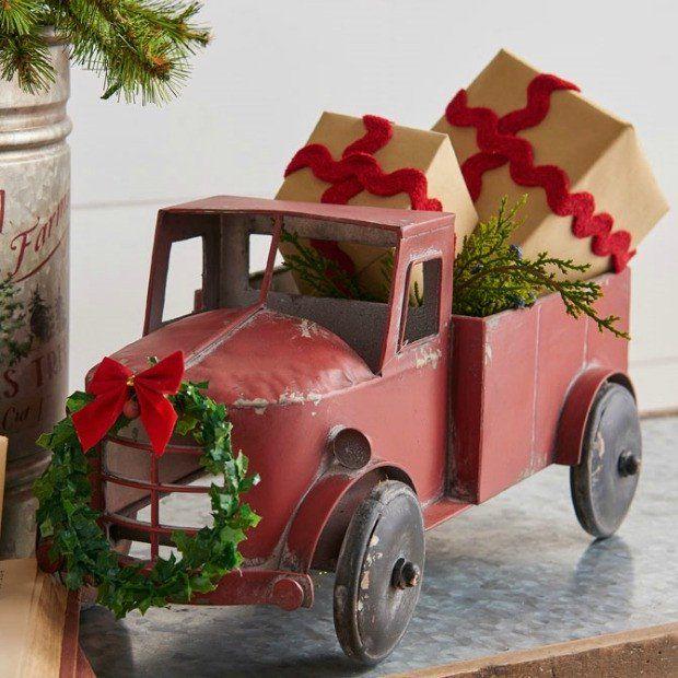 Farm Truck With Wreath Accent Decor