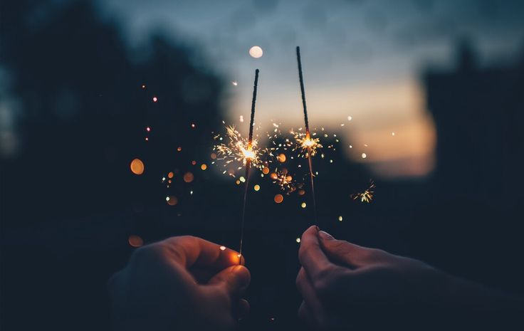 Llega la noche más mágica del año: celebramos un año más que hemos pasado a vuestro lado. Cuando sean las dice, pediremos un deseo: que sean muchos, muchos más años con todos vosotros. El equipo de Keraben Grupo os desea un ¡Feliz año nuevo a todos!