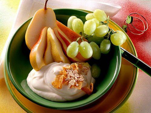 ¡Buenos días!  ¿Qué tal un desayuno saludable para iniciar el día? ¿Cae bien no? Aquí te tenemos 7 opciones para empezar bien el día => http://www.pequerecetas.com/alimentacion/infantil/desayunos-sanos/