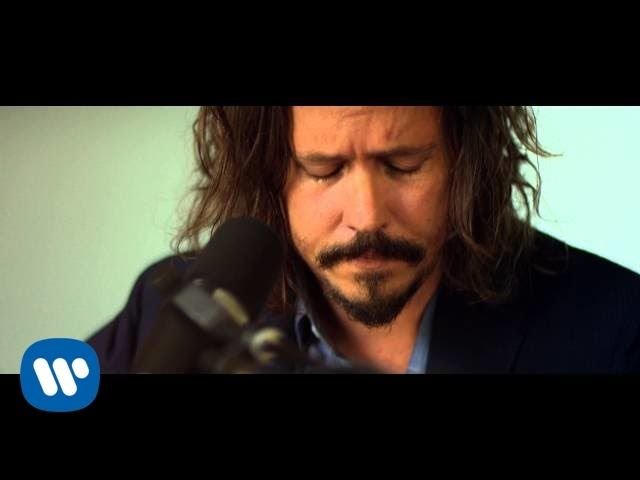 {{{ SIMPLE SONG }}}  ~~JOHN PAUL WHITE~~  Simple song but not a simple soul--music boiling and bubbling inside this man's soul. That guitar is his soulmate.