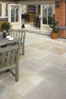 Pavestone Tudor Antique Paving Cathedral 900x600mm