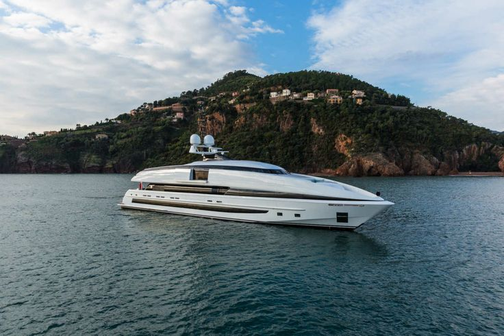 Superyachts - Luxury Yachts for Sale - Boat International