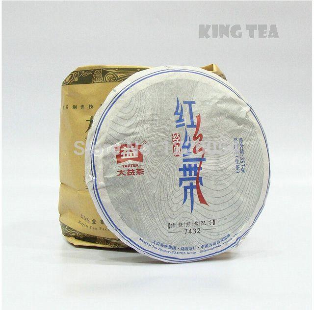 * Король Чай * 2014 TAE ЧАЙ DaYi Красная Лента 7432 Beeng Торт 357 г Китай Юньнань MengHai Китайский Пуэр Пуэр Сырье Чай Шэн Ча премиум