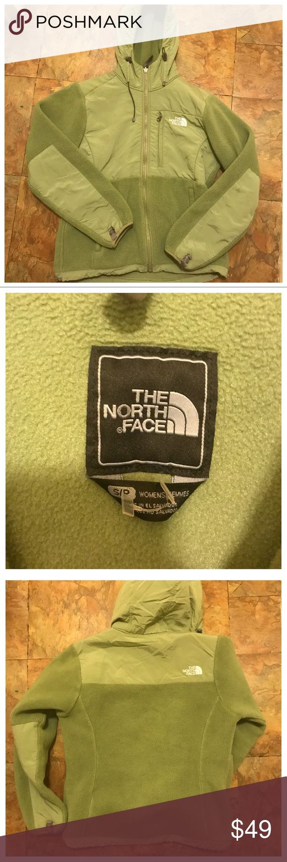 THE NORTH FACE- Women's Fleece Jacket ✨ preowned mint condition . Checked all around Jacket and there isn't a single defect, which makes sense granted that it had only been used twice. I'm only ridding of it because I have too many jackets the same style as this one ✨ great mint green color for Spring, for leisure or a jog in the park. Has even got a good if it rains. Size small The North Face Sweaters