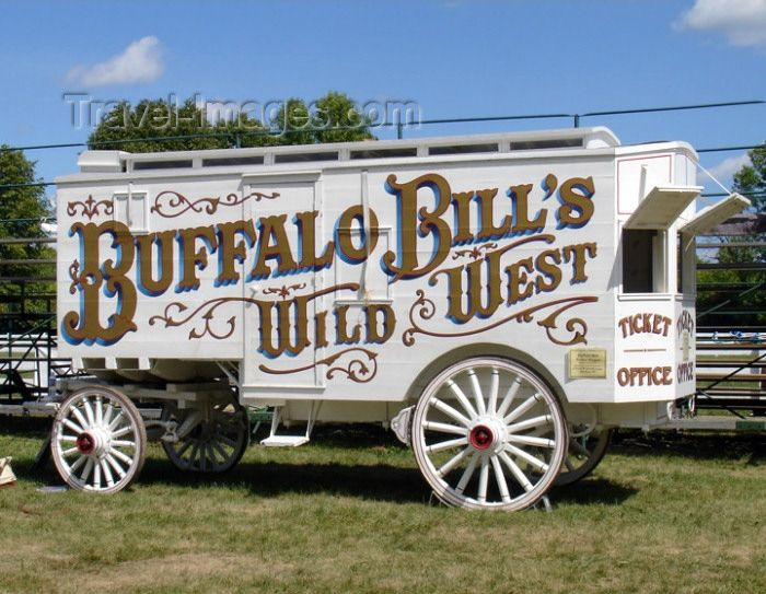 Old Wade House State Park - Sheboygan County (Wisconsin): Buffalo Bill's Wild West wagon from the Coach Museum - Wild West Show - photo by G.Frysinger