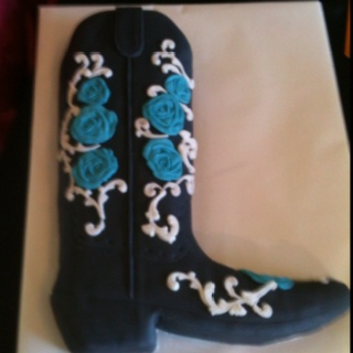 Cowgirl Boot Cake LOVE COUNTRY :)