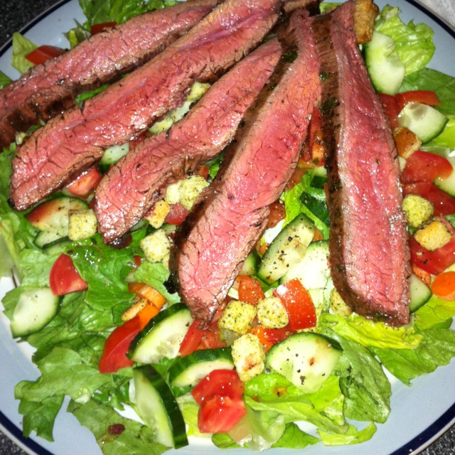 Mojo garlic flank steak chop salad Mmmmmm | Nom nom nom | Pinterest ...