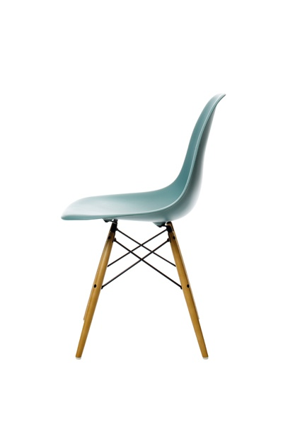 Charles Ray Eames Vitra: Would love to replace my dining room chairs with these... Love it!