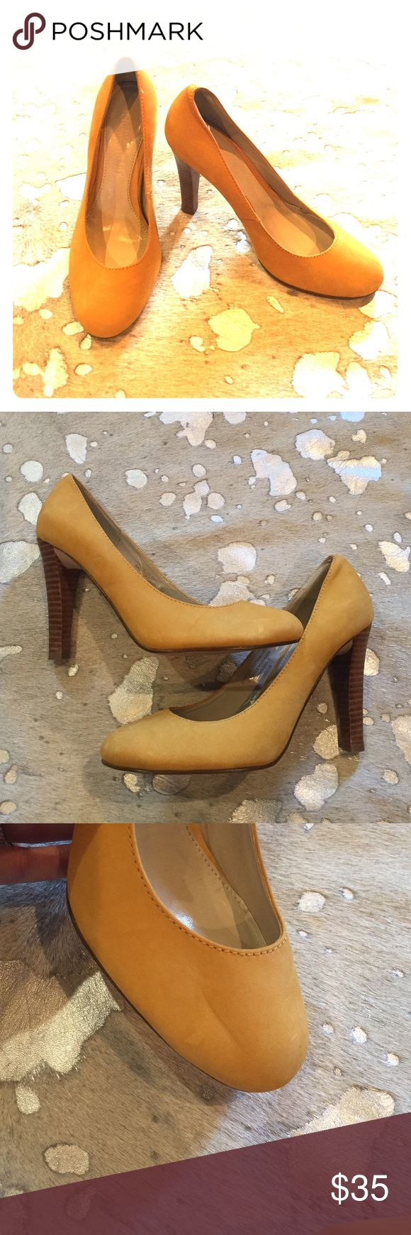 Colin Stuart Mustard Yellow Pumps Colin Stuart mustard hello pumps, size 5. A great shoe for when you want to add that pop of color! Indentation on toe of right shoe pictured. Other that the indentation, in great condition! Colin Stuart Shoes Heels