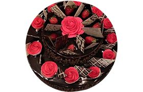Chocolate and strawberries cake for your Mother, Well! Here's a offer you cannot refuse! http://goo.gl/L8i4gh #ChocolateCake #YummyCake #DeliciousCake #Foodie  #CakeDeliveryinDelhi #cakeDeliveryinNoida #OnlineCakeDelivery #Delhi #Noida