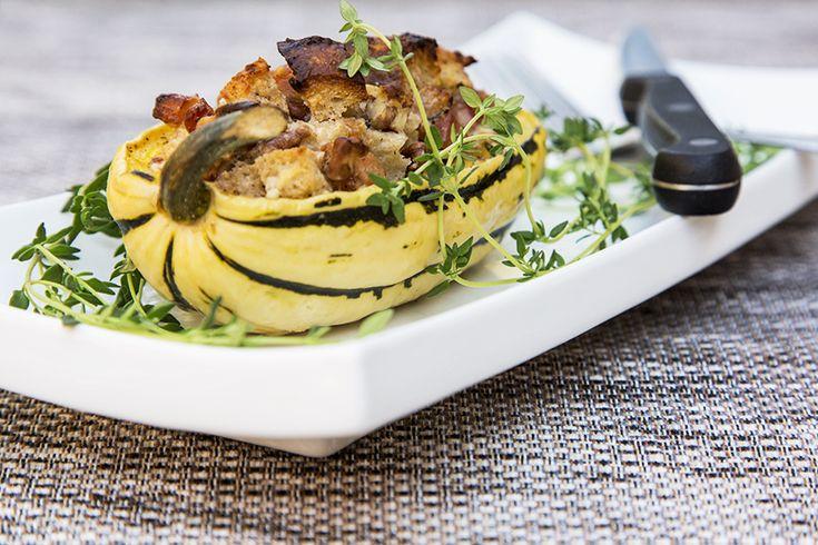 Courges farcies pancetta, érable, noix et chèvre #recettesduqc #courge #entree #repas #erable #chevre
