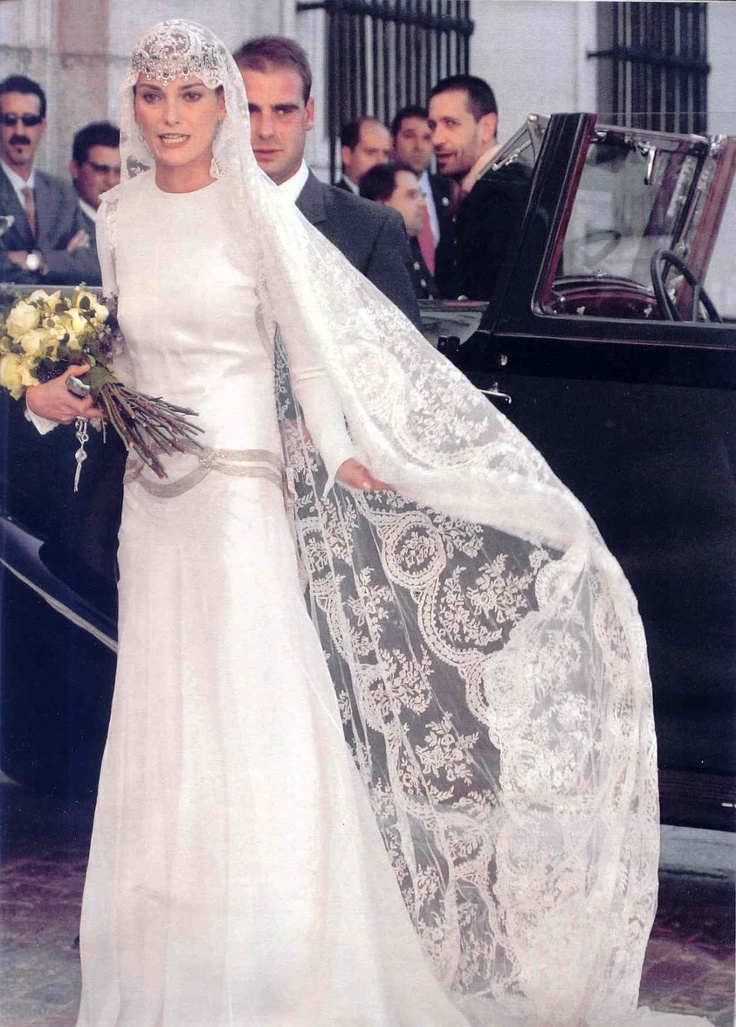 Red Carpet Wedding: Laura Ponte and Beltrán Gómez Acebo ~ Red Carpet Wedding