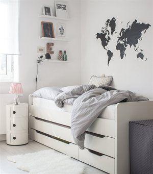 le lit à haut pouvoir de rangement...... + lit d'appoint incorporé!