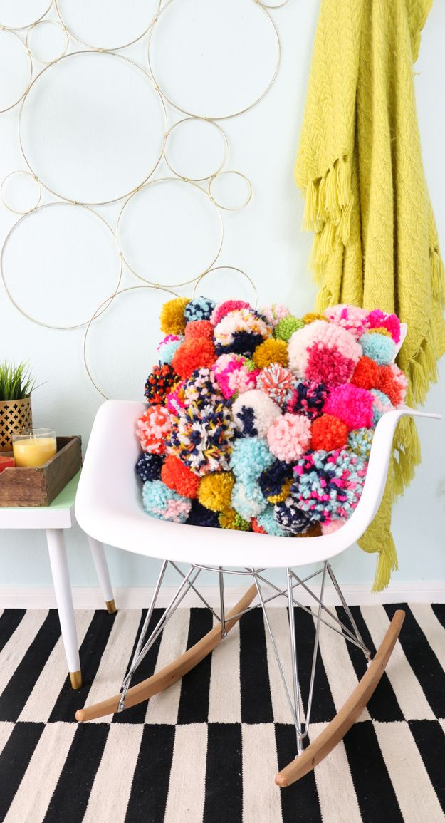 DIY Pom Pom Pillow - Fun DIY Home Decor project for fall - How to make your own pillow